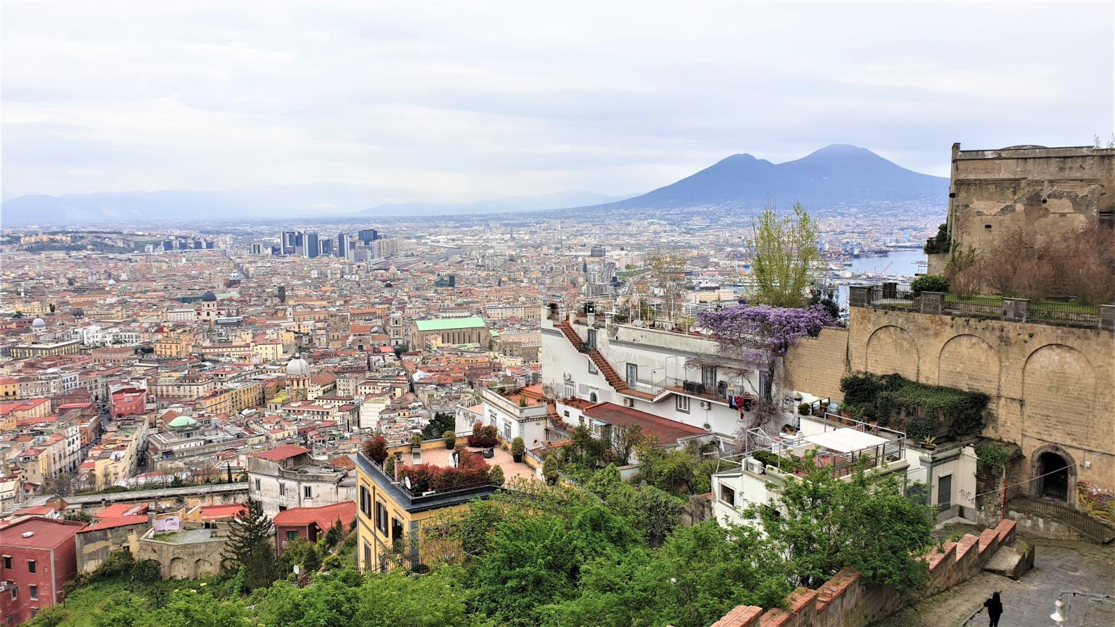 Vista di Napoli da Piazzale San Martino