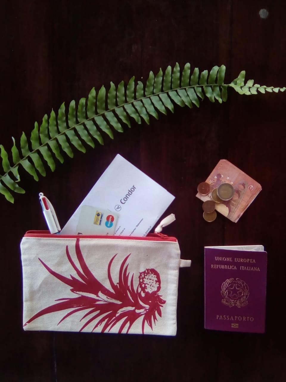 #smallthingstravelling - Bustina Porta Documenti