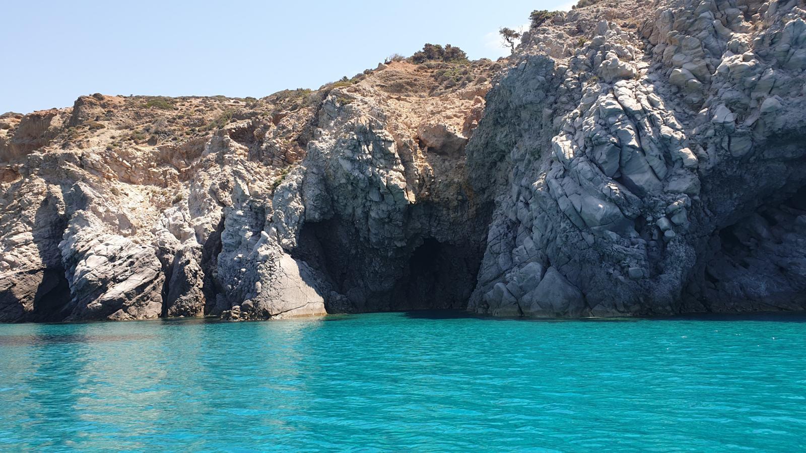 Le Caverne di Tsigrado - Milos