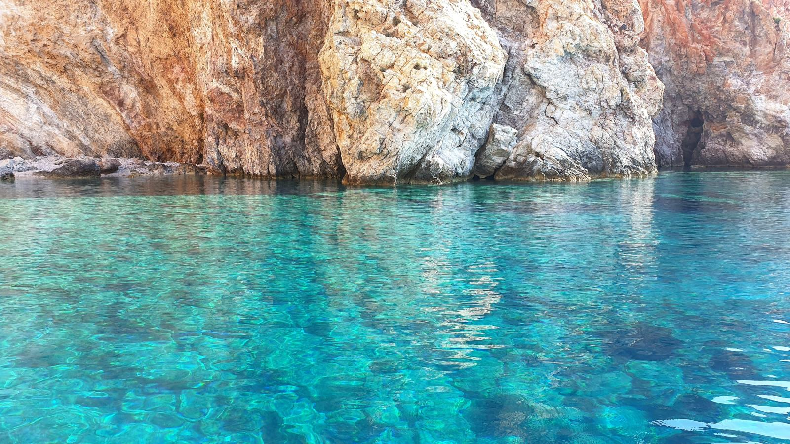 Il mare di Polyaigos