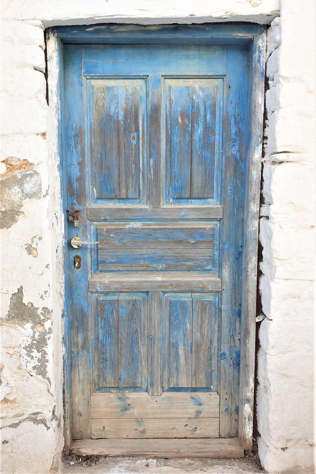 Porte d'ingresso delle case del Kastro - Isola di Folegandros