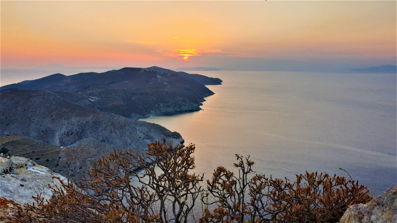 Tramonto sull'isola di Folegandros