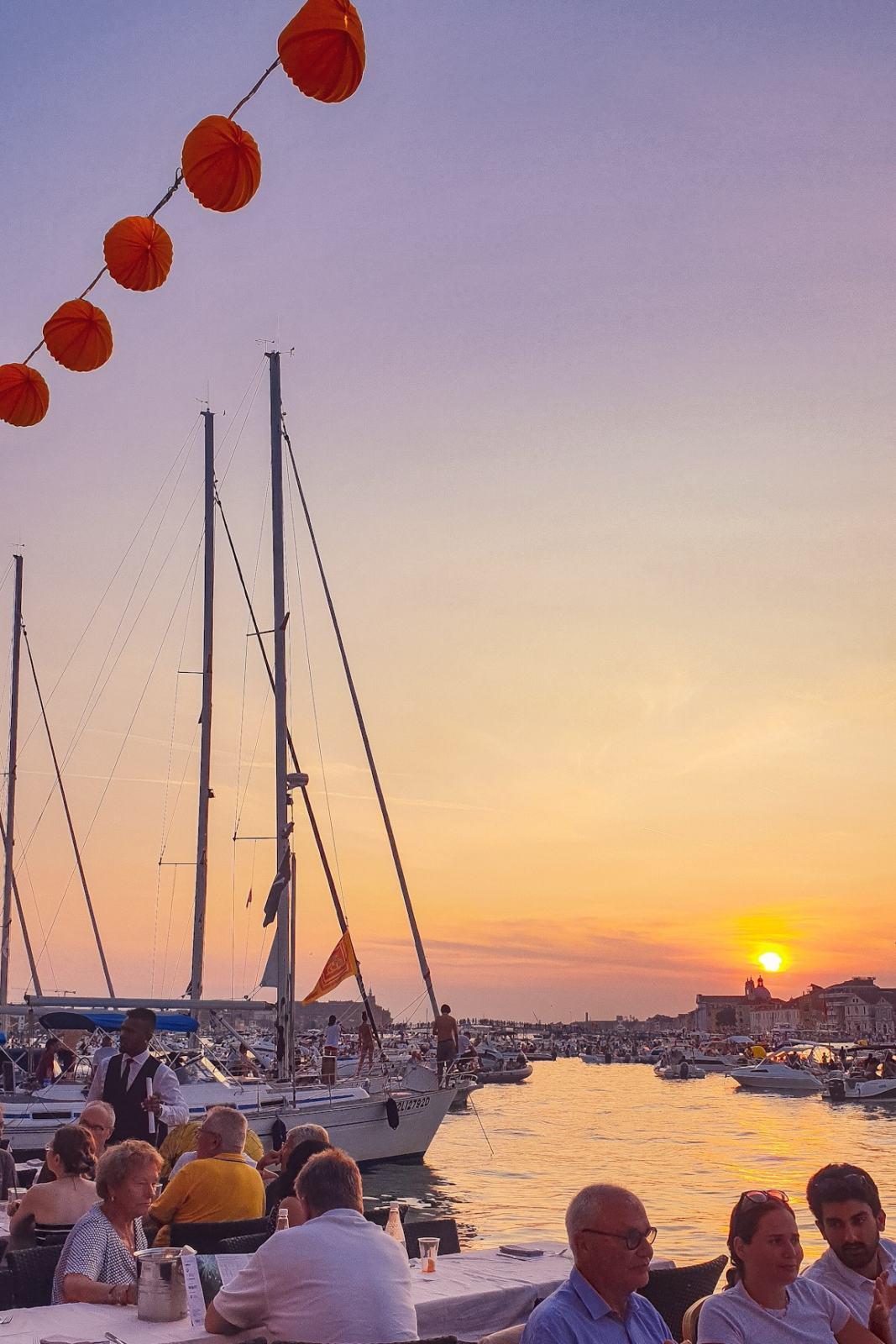 Barche a vela lungo il Canale della Giudecca