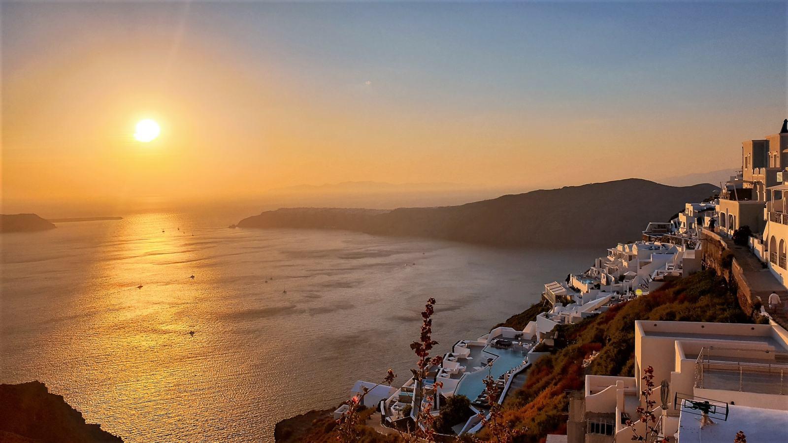 Il tramonto da Imerovigli dalla Chiesa di Agios Georgios