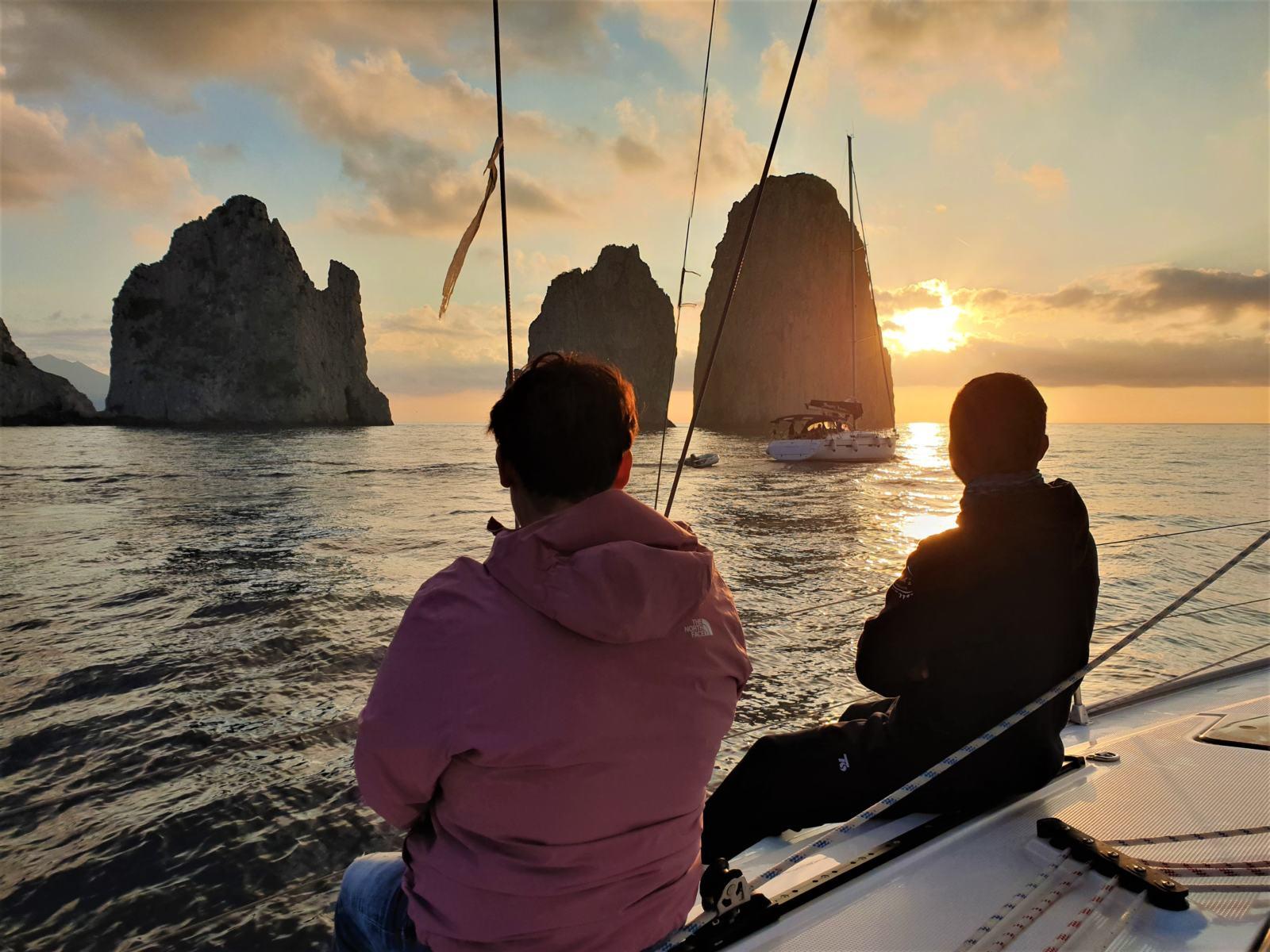 L'equipaggio ammira il sorgere del Sole