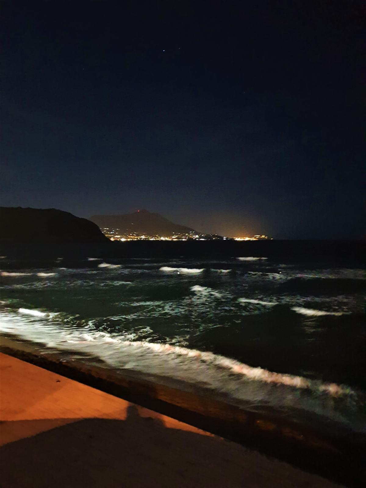 Il mare davanti al ristorante Girone a Procida