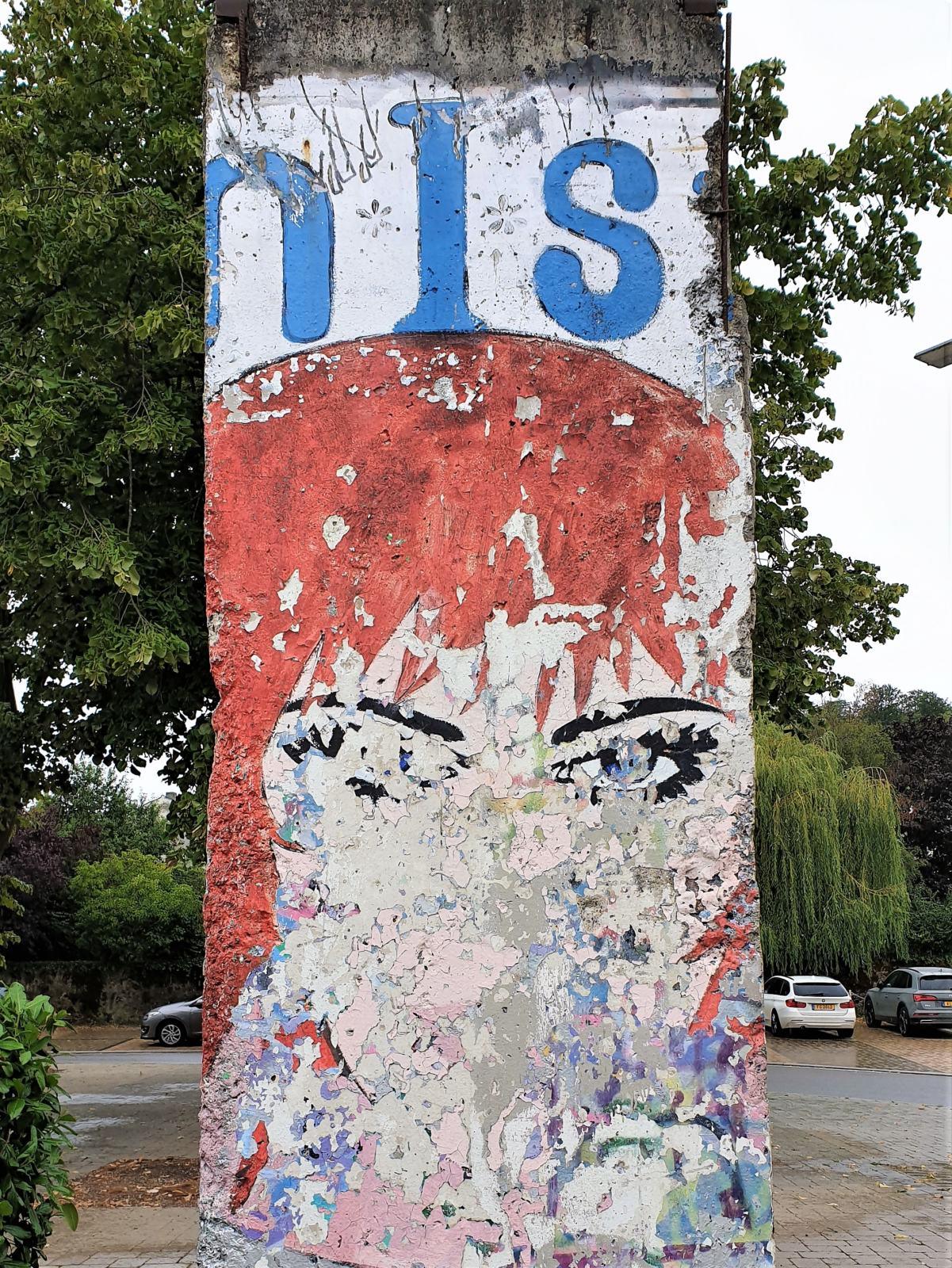 Pezzo del Muro di Belino esposto dal Museo Schengen