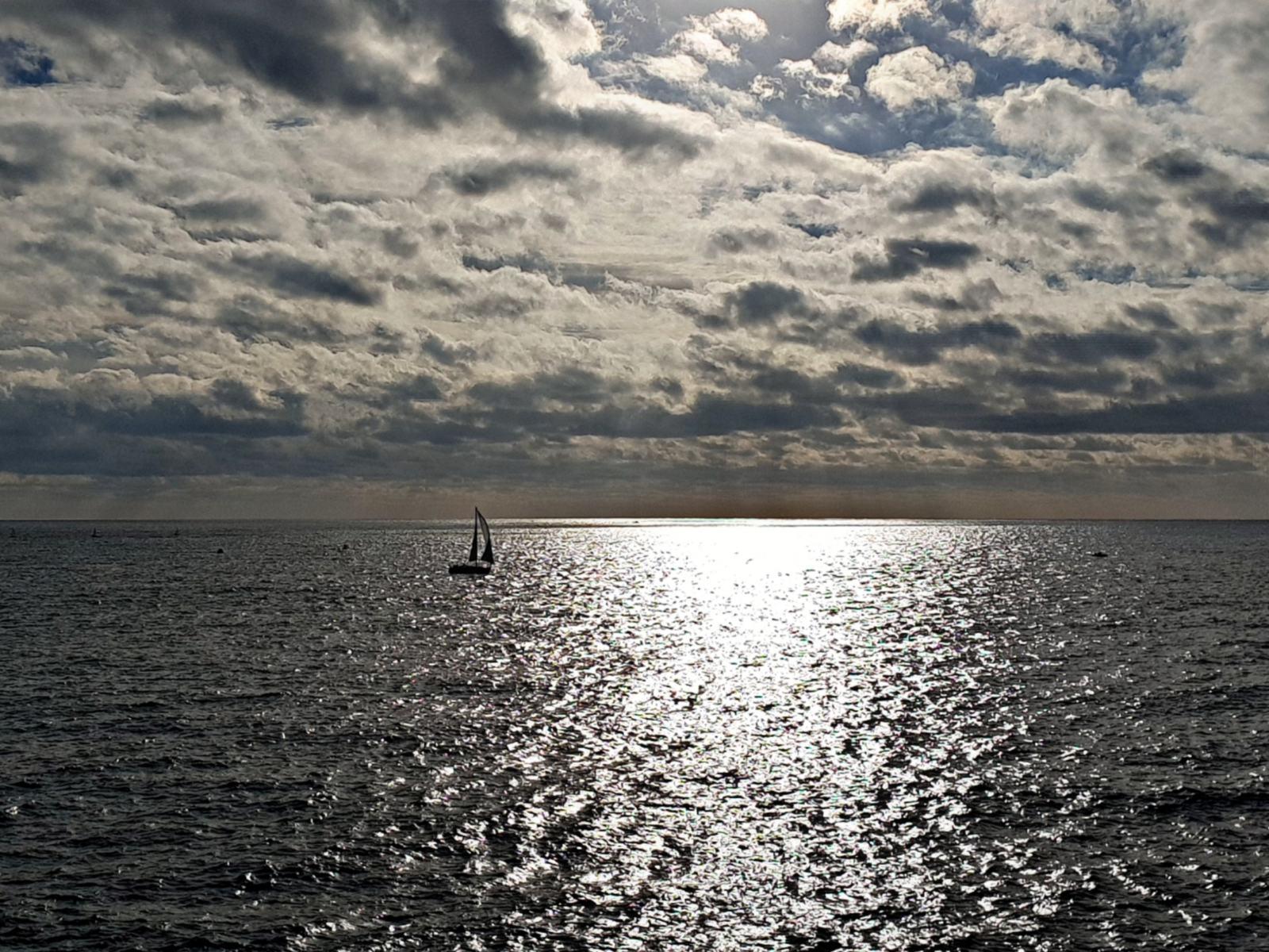 Navigare in barca a vela