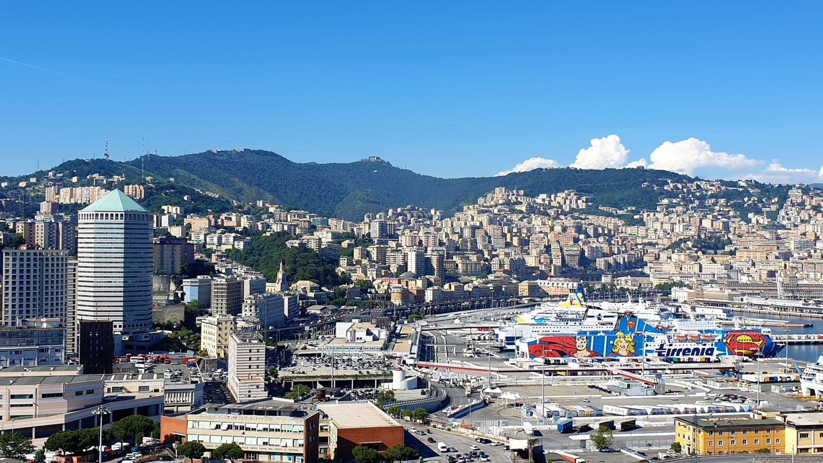 Vista dalla Lanterna di Genova